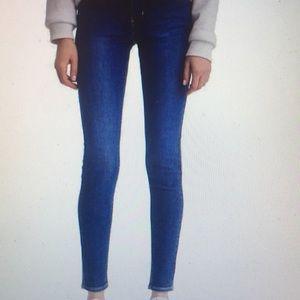 Levi's Woman's 710 Super Skinny Jeans